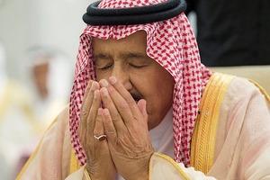 Армия Саудовской Аравии пыталась убить своего короля. Опубликовано видео