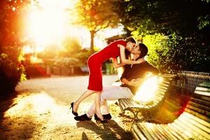 Як кохання змінює життя кожного знаку Зодіаку