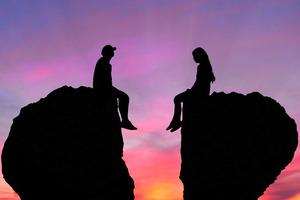 Любить вопреки: самые несовместимые пары по знаку Зодиака