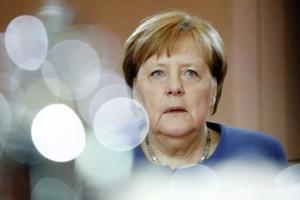 Меркель рассказала, когда в Германии и ЕС начнется вакцинация от COVID-19