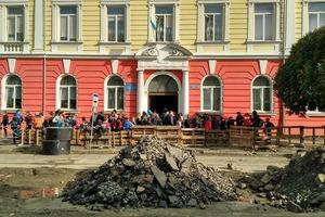 В Ужгороде эвакуировали школу из-за неизвестного газа