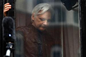 Еквадор намагався зробити Ассанжа дипломатом і відправити в Росію