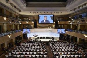 Порошенко звинуватив Росію в розв'язуванні світової гібридної війни