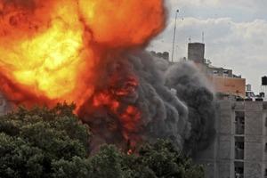 Наземные силы Израиля начали обстрелы Сектора Газа, ХАМАС продолжает отвечать ракетами