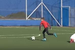 11-летний украинский Месси снова забил фантастический гол (видео)