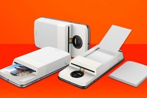 И снова здравствуйте: Polaroid и Motorola выпустили принтер для мгновенных фото