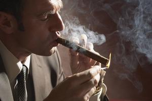 Куріння чоловіків збільшує ризик пороку серця у майбутніх дітей