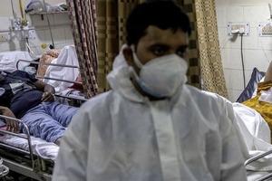 В Индии выявили новый штамм коронавируса «дельта плюс».