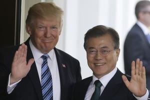 ООН и Южная Корея призвали Трампа и Ким Чен Ына к диалогу