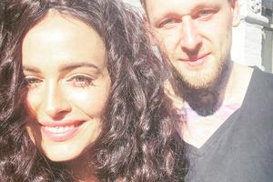 Обольстительная Даша Астафьева поразила фотосессией с длинными волосами