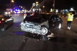 Машина в хлам: Известный драчун-свободовец попал в ДТП