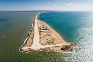 Россияне украли у Украины еще и часть острова Тузла
