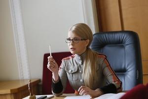 Тимошенко ради Закона о нацбезопасности пришла в Раду в старом кителе