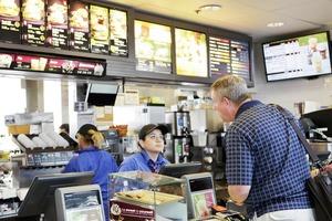 В британских ресторанах фаст-фуда McDonald's, KFC и Burger King найдены фекальные бактерии
