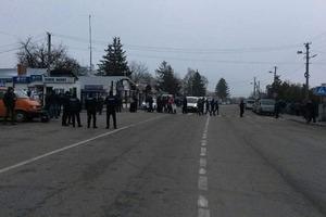 Западная граница Украины перекрыта: люди взбунтовались против пошлин на товары