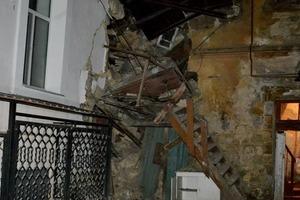 Часть жилого дома обрушилась в Одессе