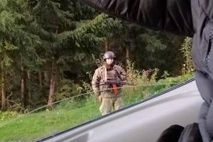 СМИ выяснили, что делают на Закарпатье зеленые человечки и военная техника