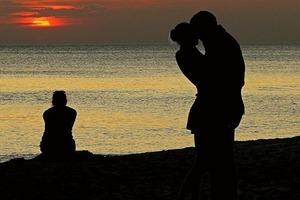Психологи рассказали, каким женщинам больше всего везет в любви, а каким - нет