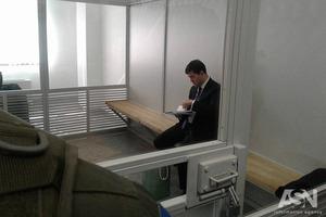 Насирову разрешили снимать электронный браслет и выезжать из Киева