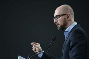 Яценюк прокомментировал обвинения Онищенко