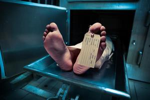 Умерший очнулся в холодильнике морга и ушёл на вечеринку