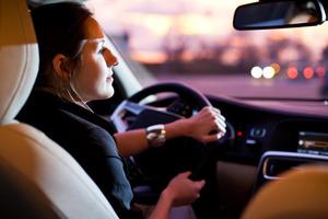 Ученые узнали, чем женщины за рулем лучше мужчин