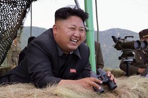 Ким Чен Ын колет себе золото, чтобы жить вечно