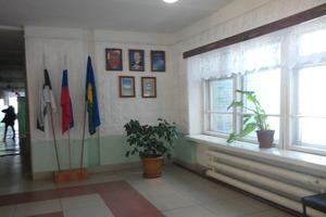 Больше нечем: Учителям в России зарплату выдали дровами