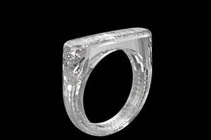Дизайнер Apple створив першу в світі каблучку з цільного діаманта