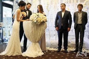 Обычай жене брать фамилию мужа уходит в прошлое