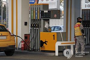 Цены на бензин побили исторический рекорд, и это еще не предел