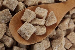 Действительно ли полезен коричневый сахар и как не купить подделку