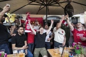 Болельщики ЦСКА избили в Киеве фанатов Ливерпуля