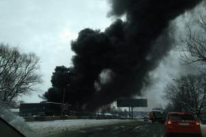 В Черновцах горит один из крупнейших рынков в Украине