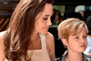 Красавица-дочка Анджелины Джоли стала мужчиной Джоном