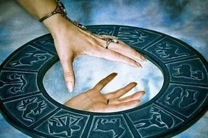 Радикальная несовместимость: Знаки Зодиака, которым не стоит доверять свое сердце