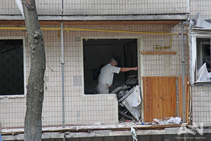 Взрыв в киевской многоэтажке повредил 8 квартир и убил 67-летнюю женщину