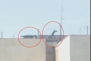 Российские подростки развлекаются прыжками с 9-этажек в сугроб