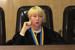 Избитая полтавская судья рассказала, кого подозревает в нападении