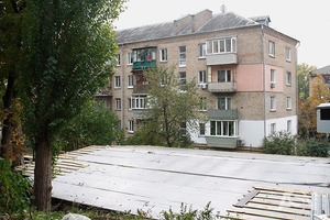 Застройщики, оправдываясь необходимостью сноса дома-убийцы, протолкнули новый жилой комплекс