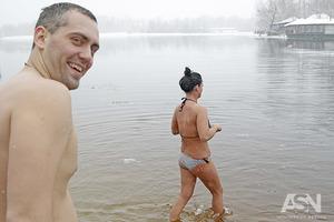 От ребенка до метросексуала. Как купались в Киевском Гидропарке