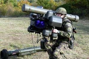 Поставки оружия Украине. РФ грозит «взрывом» на Донбассе