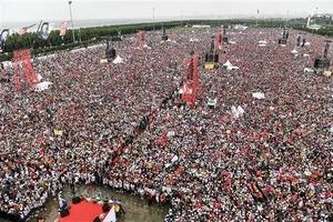 На митинг в поддержку главного оппонента Эрдогана вышли миллионы людей