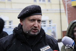 Турчинов: Україна поліпшить свої позиції на Донбасі