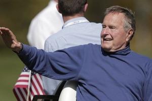В США Джордж Буш-старший госпитализирован