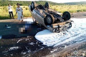 Кровавый выпускной: под Николаевом разбился автомобиль с подростками, 17-летний водитель погиб