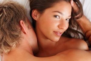 Чоловіків не цікавить оргазм їхніх дружин, а 25% - не здогадуються, що дружина нещасна