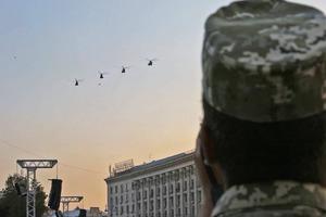 Уже с авиацией: Полторак показал вторую репетицию парада на Крещатике