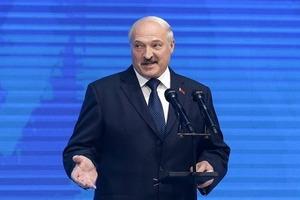 Лукашенко предупредил об опасности вхождения Беларуси в состав другого государства
