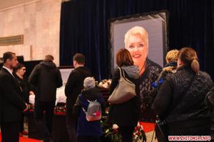 Рыдали все от мала до велика. Как прощались с актрисой Мариной Поплавской